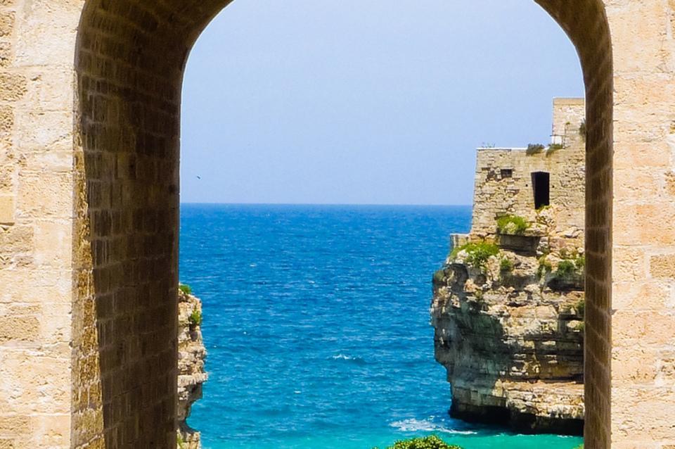 Affitto ville al mare ostuni ville sul mare puglia - Ville in affitto al mare con piscina ...