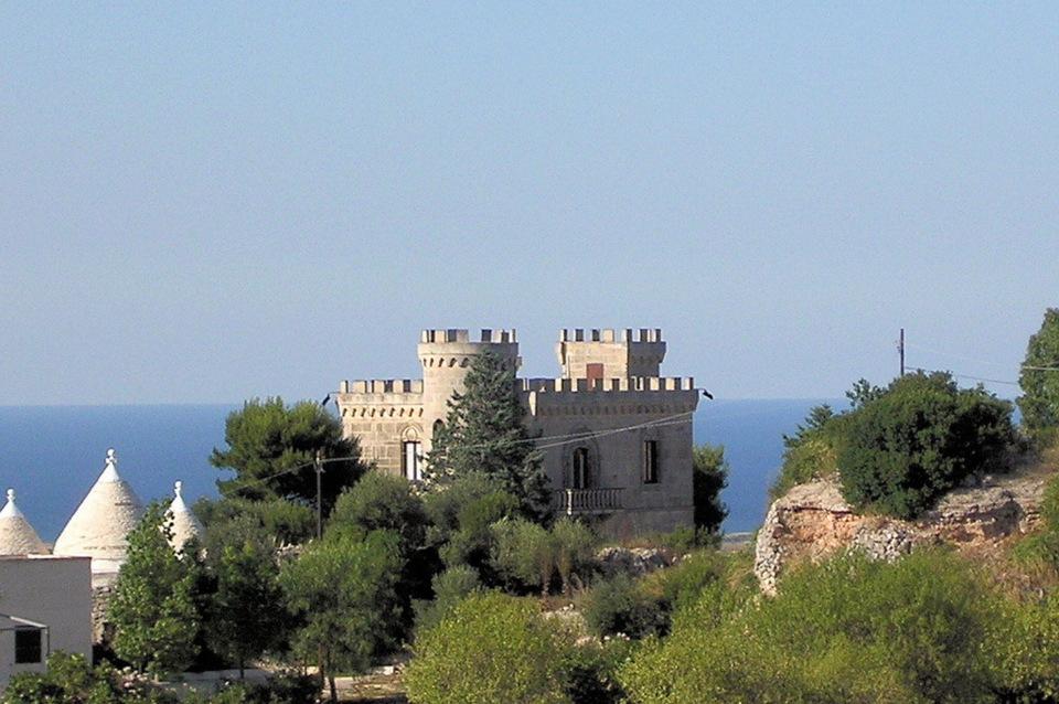 Castello con piscina vista mare in affitto apulia rentals - Ville in affitto al mare con piscina ...