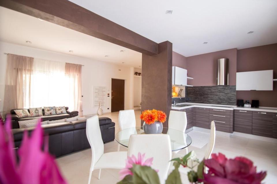 Réservez votre villa de charme avec piscine, prés de Ostuni, louez votre villa proche de la mer